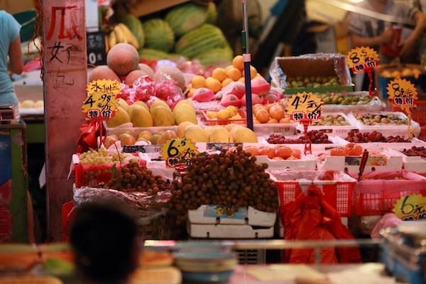 Früchte in einem chinesischen Supermarkt