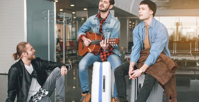 Gitarre im Flugzeug
