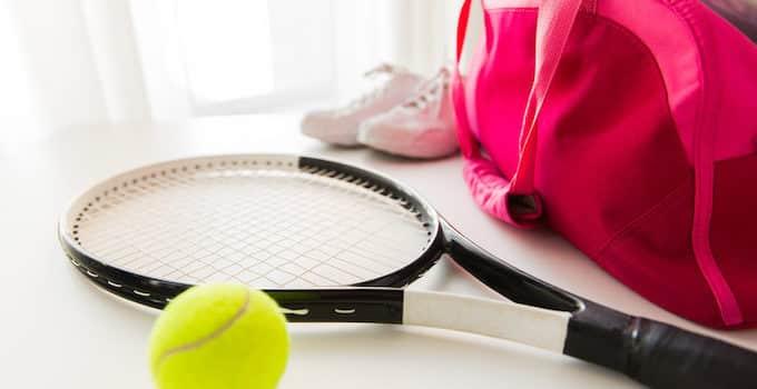 Tennisschläger im Handgepäck